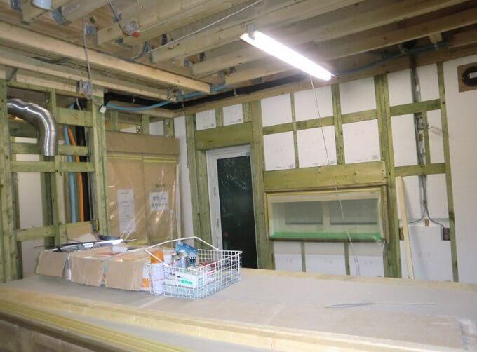 上棟15、17日目 大工仕事開始、耐力壁と謎のライト