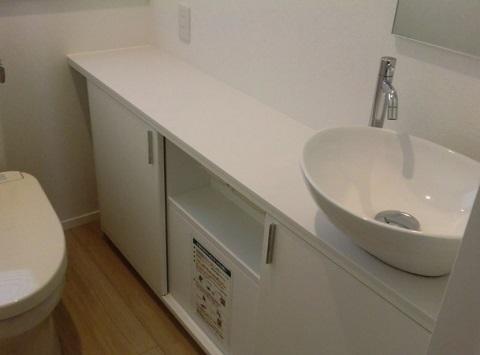 一条工務店i-smartのオプションで採用可能な「オリジナルトイレ手洗いカウンター」