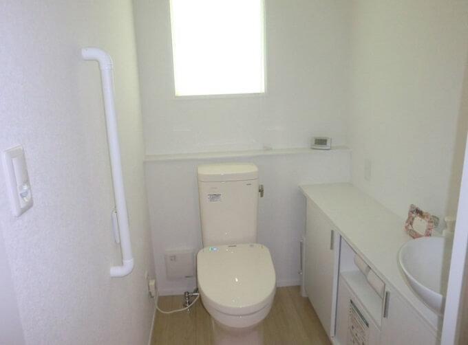 【Web内覧会・第10回】 1.5帖の一階トイレ、タンクありを選んだ理由とは?