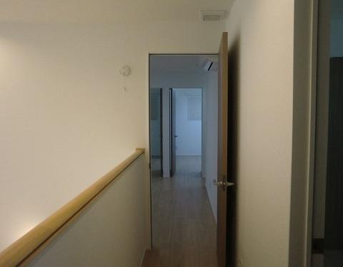 一条工務店i-smartの2階廊下の様子