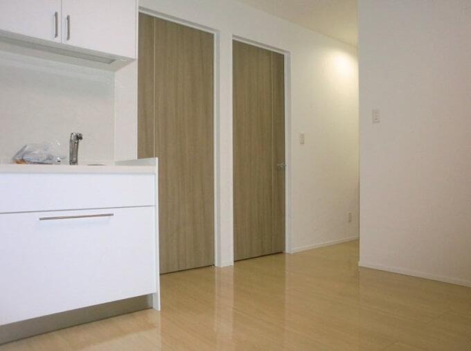 【Web内覧会・第31回】 セカンドリビングその2 室内の様子と前回ご紹介が漏れたセカンドキッチン吊戸棚の照明