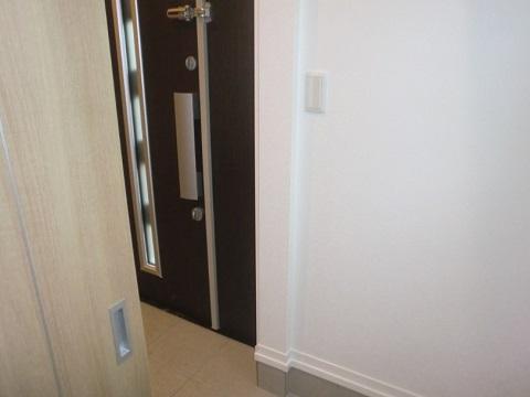 一条工務店i-smartのシューズクロークの扉と玄関の位置関係