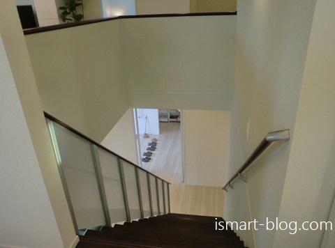 一条工務店群馬、前橋展示場のi-smartのオープンステアー