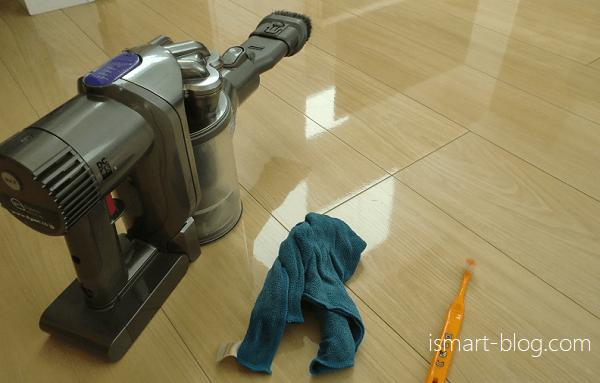 Panasonic天井埋込型ナノイー発生器「エアイー」の掃除に使用したダイソン掃除機、あっちこっちふきん、歯ブラシ