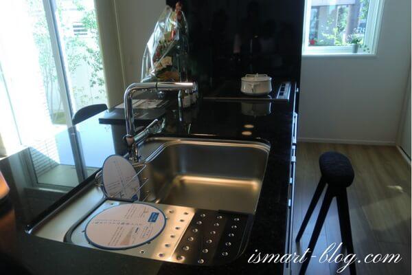 一条工務店伊勢崎展示場i-smartの1Fスマートキッチン