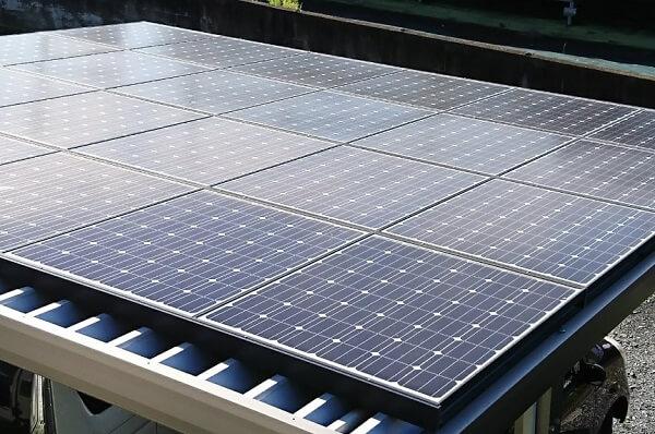 一条工務店のソーラーカーポートの屋根